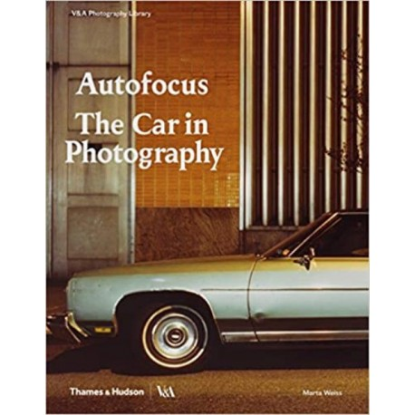 AUTOFOCUS THE CAR IN PHOTOGRAPHY